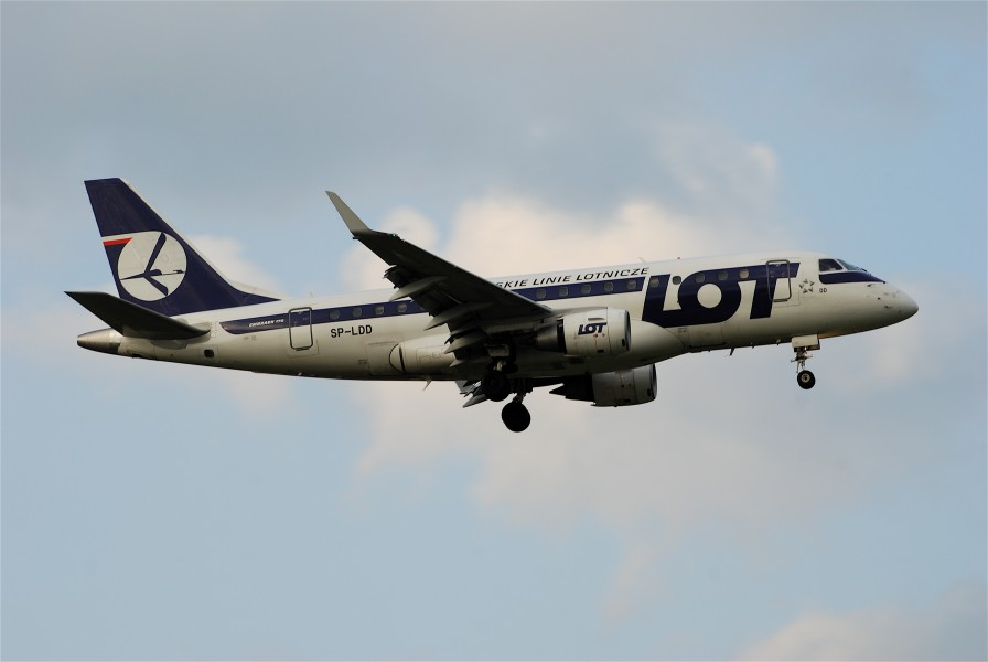 LOT Polish Airlines Embraer ERJ-170, SP-LDD@ZRH,24.04.2008-509bk - Flickr - Aero Icarus