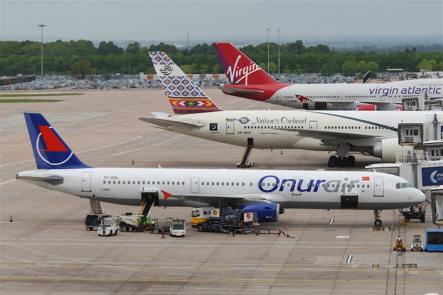 Onur Air Airbus A321-231; TC-OAL@MAN;14.05.2011 596ci (5732408053)