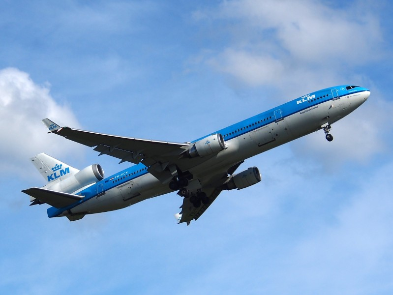 PH-KCK KLM Royal Dutch Airlines McDonnell Douglas MD-11 take-off pic1