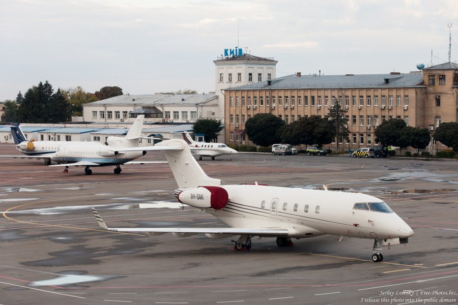 planes in Kyiv Zhulyany airport in September 2015 photographed by Serhiy Lvivsky