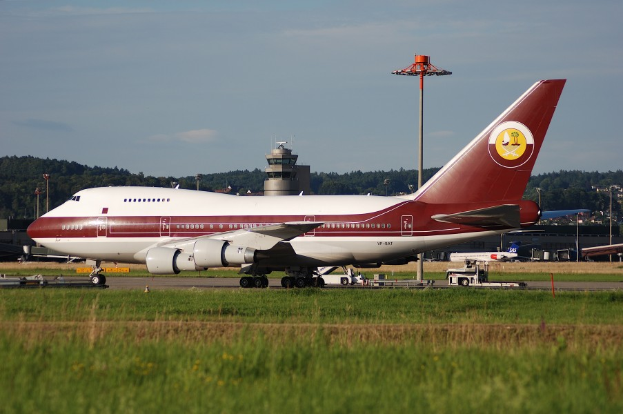 Qatar Amiri Flight Boeing 747SP; VP-BAT@ZRH;12.07.2007 477bg (4300376999)