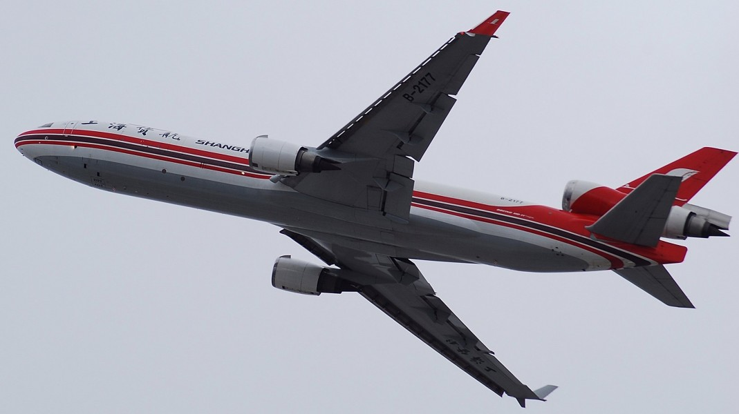 SHANGHAI AIRLINES MD-11 (2225744762)