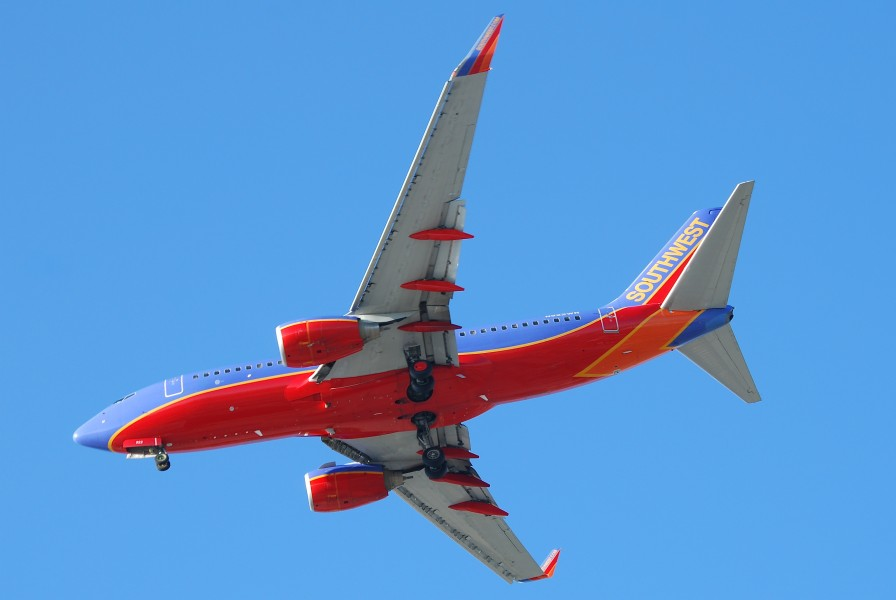 Southwest Airlines Boeing 737-700; N922WN@LAX;11.10.2011 623qa (6905579410)