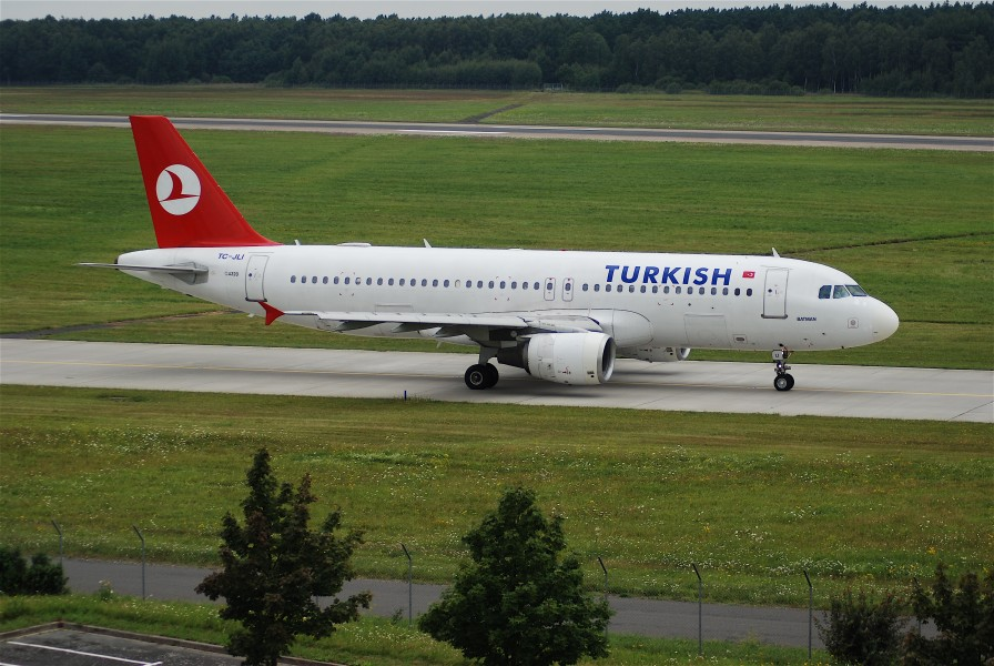 Turkish Airlines Airbus A320-214, TC-JLI@HAJ,28.07.2007-482eg - Flickr - Aero Icarus