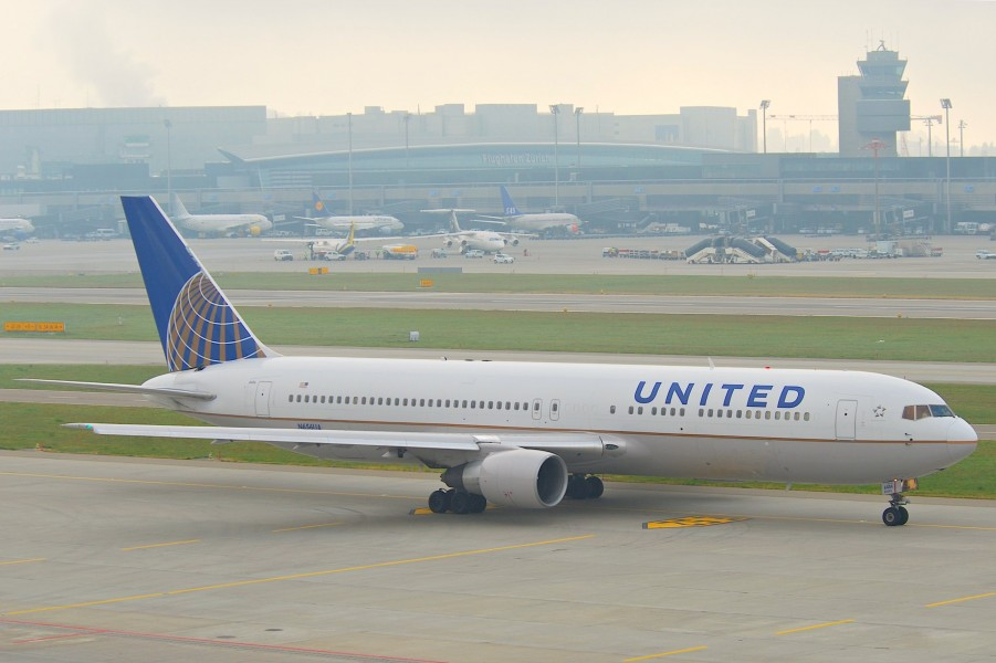 United Airlines Boeing 767-300; N656UA@ZRH;28.10.2011 629be (6568731655)