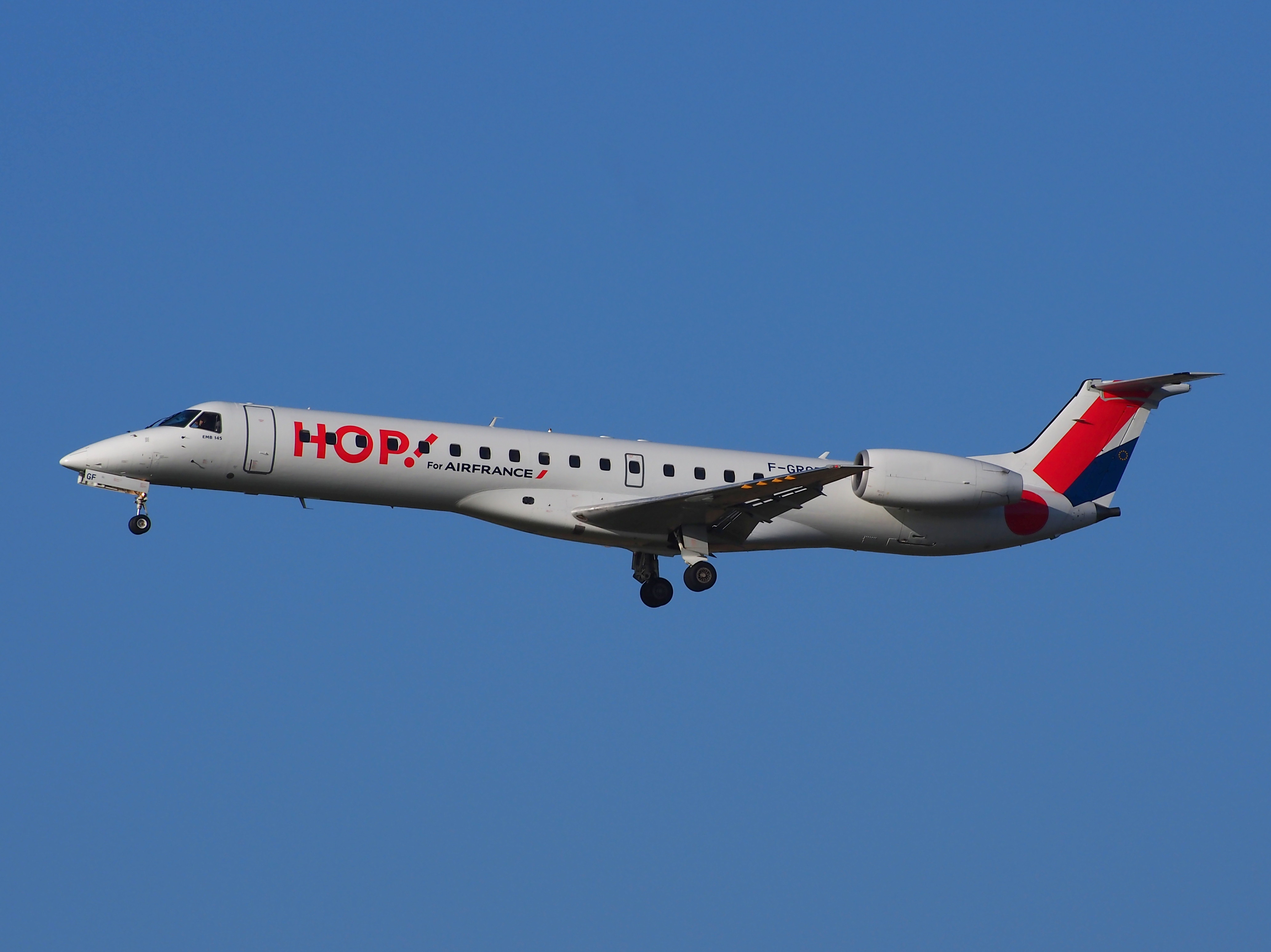 F-GRGF, landing at Schiphol on 2Feb2014 pic27
