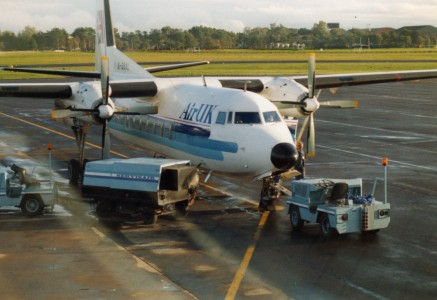 AirUK (G-BNAL), Belfast International, October 1990 (03)