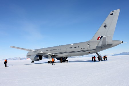 RNZAF B757-200 Antarctica return