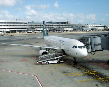 Silkair A320-200 at gate, SIN