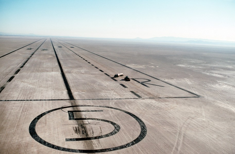Edwards AFB Runway 5 on Rogers Dry Lake
