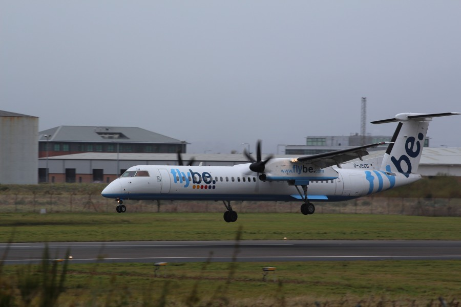 Flybe (G-JECG), Belfast City Airport, November 2012 (02)
