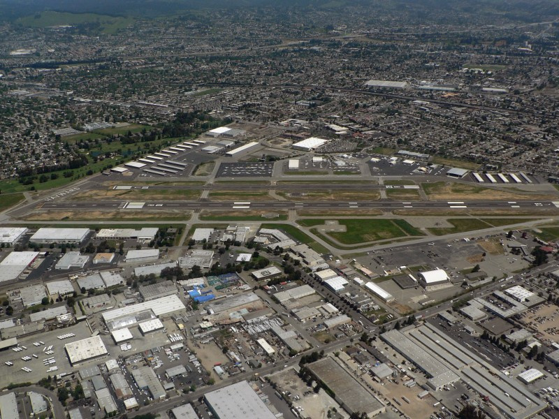 Hayward Executive Airport 07821