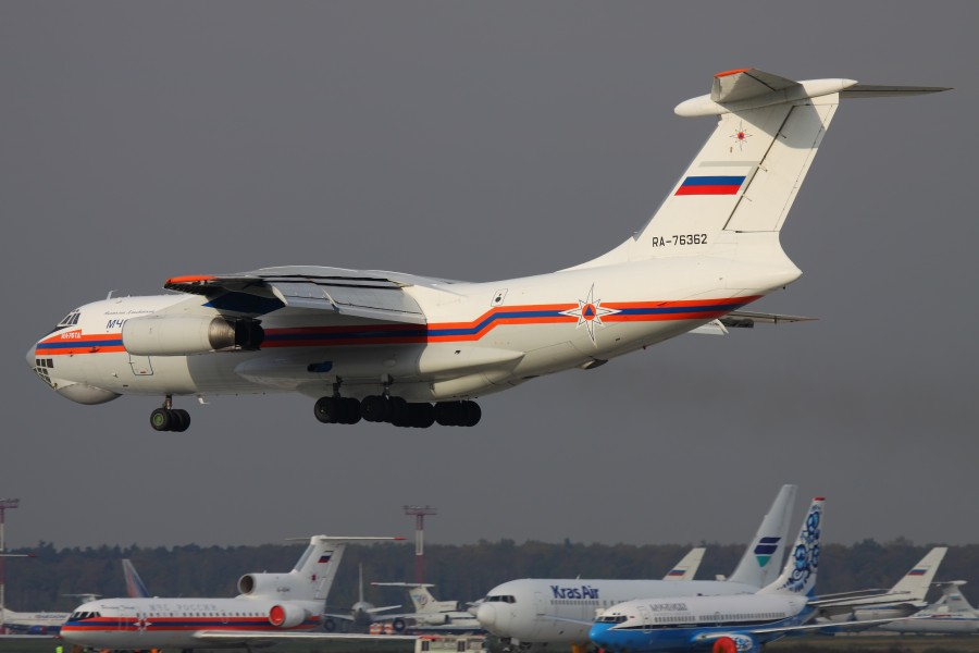 Il-76TD of MChS Rossii at Domodedovo 06-Oct-2010