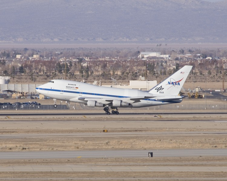 SOFIA lands at Air Force Plant 42