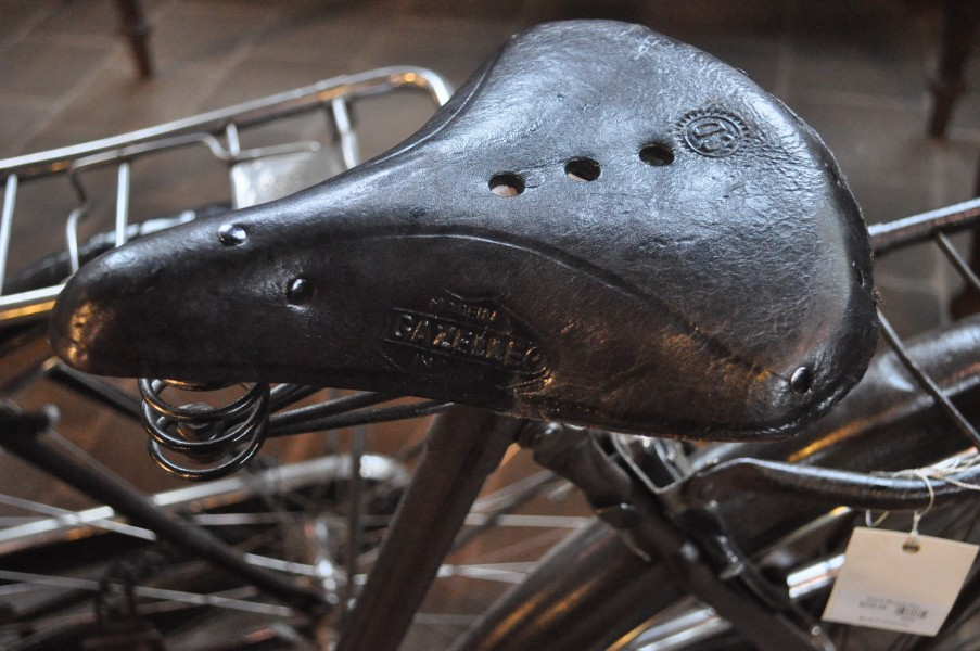 Gazelle bicycle seat