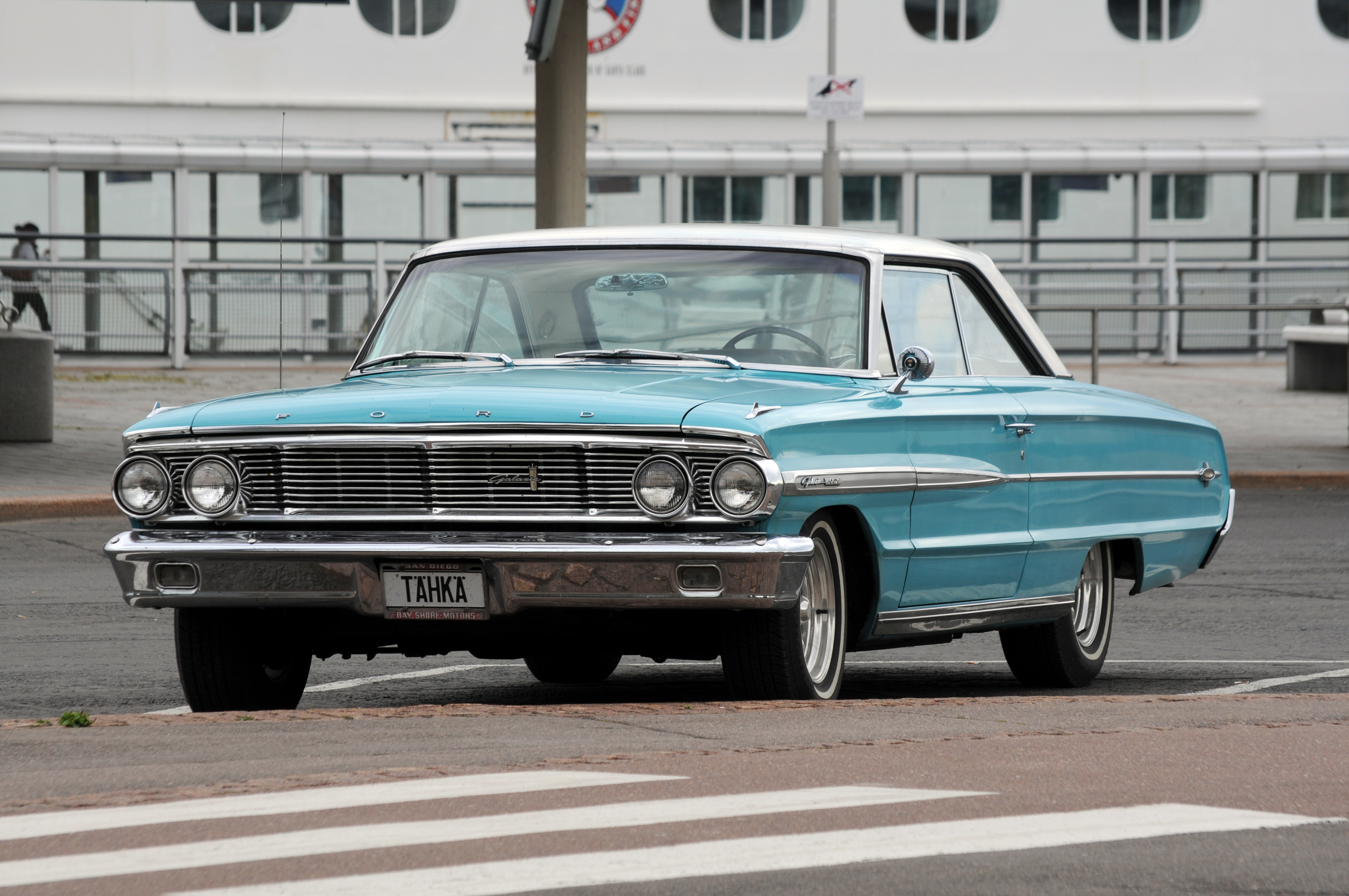 2011-07-31-ford-galaxie-by-RalfR-06
