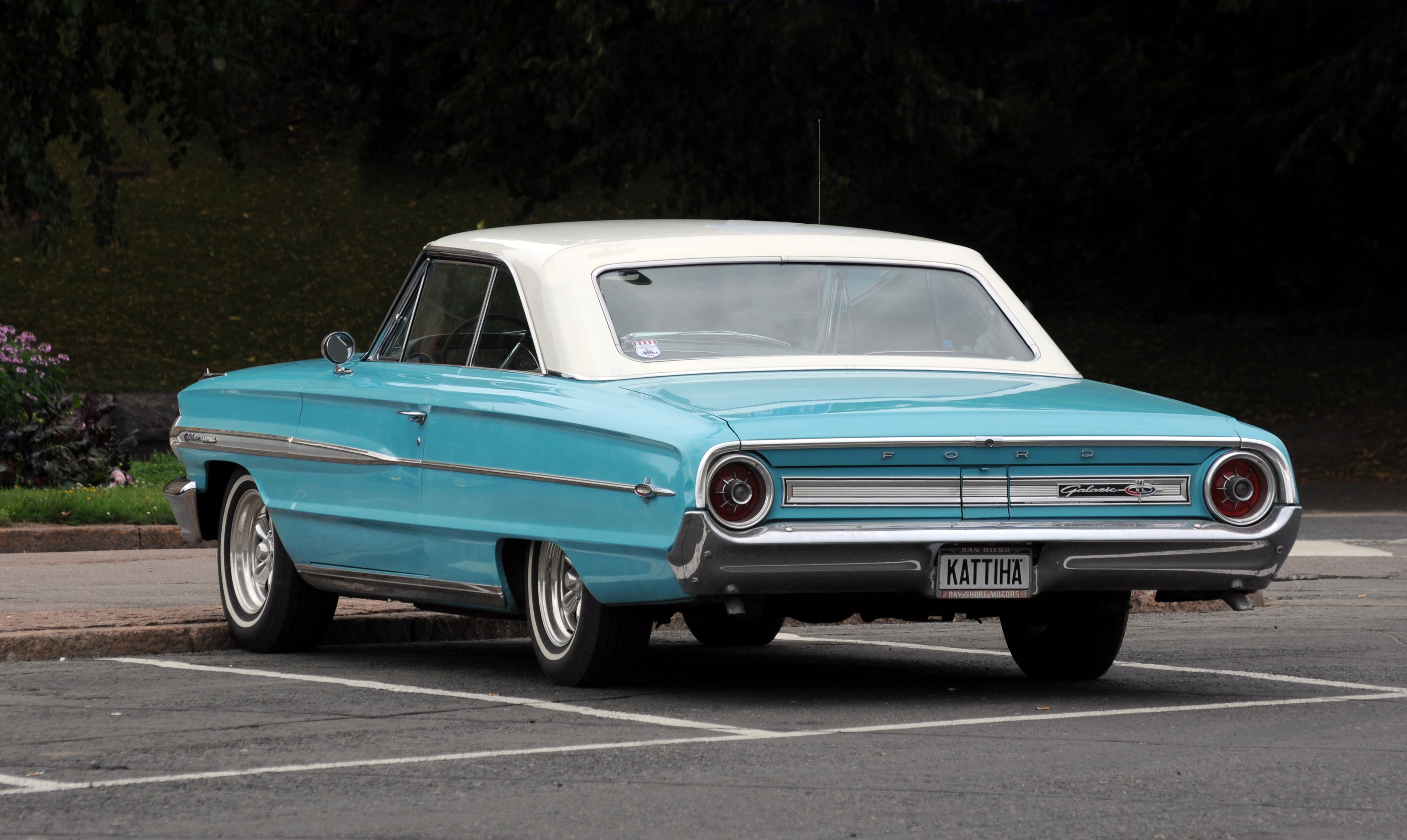 2011-07-31-ford-galaxie-by-RalfR-28