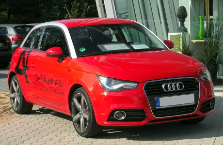 Audi A1 1.4 TFSI Ambition front 20100904