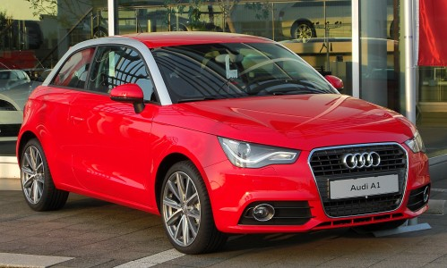 Audi A1 1.6 TDI Ambition front 20100921