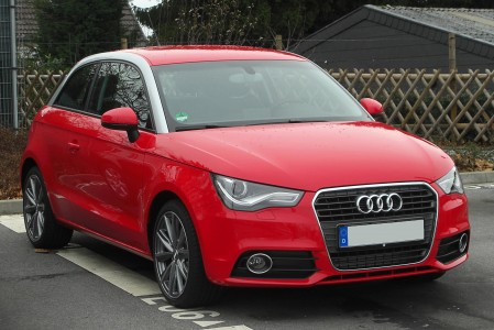 Audi A1 1.6 TDI Ambition front 20110115
