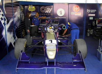 Bia Figueiredo and her F3 car
