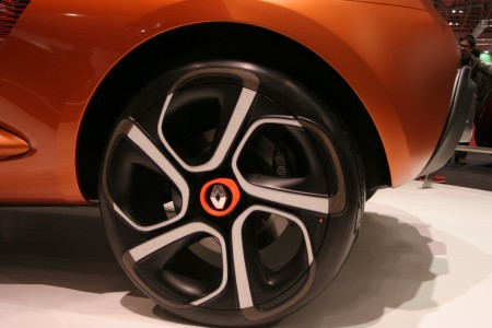 Renault Captur wheel closeup