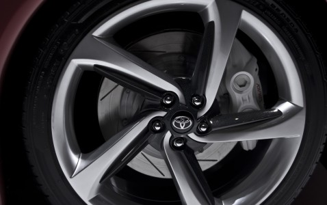 Toyota FT-86 Concept wheel