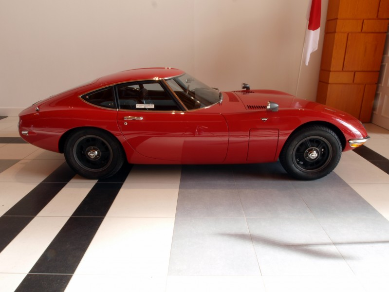 1968 Toyota 2000GT photo1