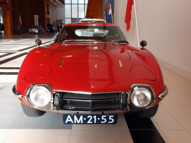 1968 Toyota 2000GT photo3