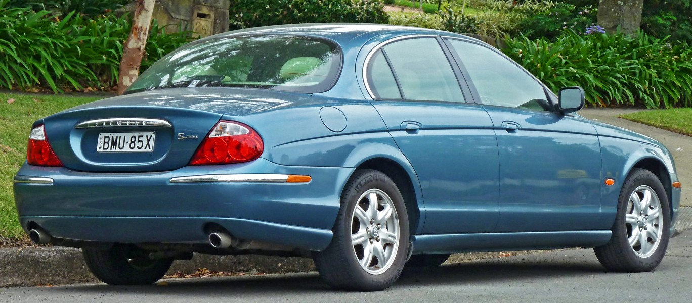 1999-2004 Jaguar S-Type (X200) sedan (2011-03-10)