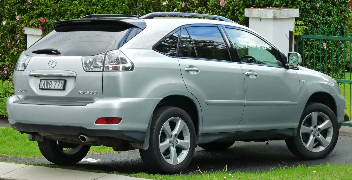 2004-2005 Lexus RX 330 (MCU38R) Sports Luxury wagon (2011-04-28)