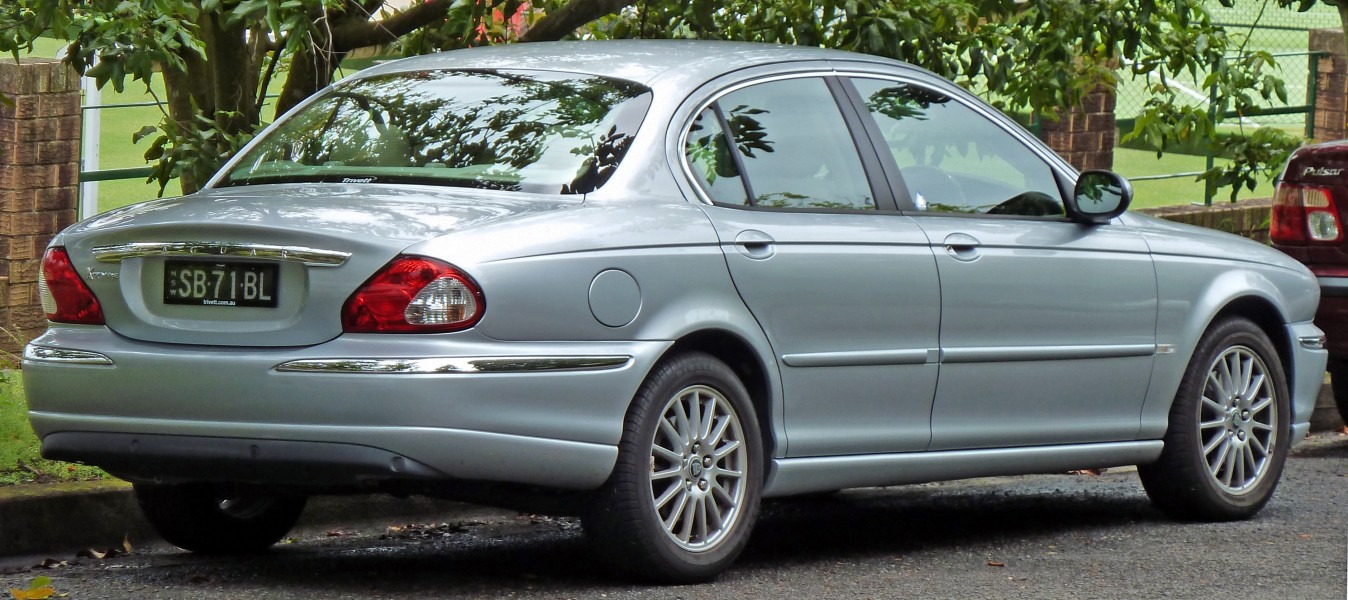2006-2007 Jaguar X-Type (X400) LE sedan 02