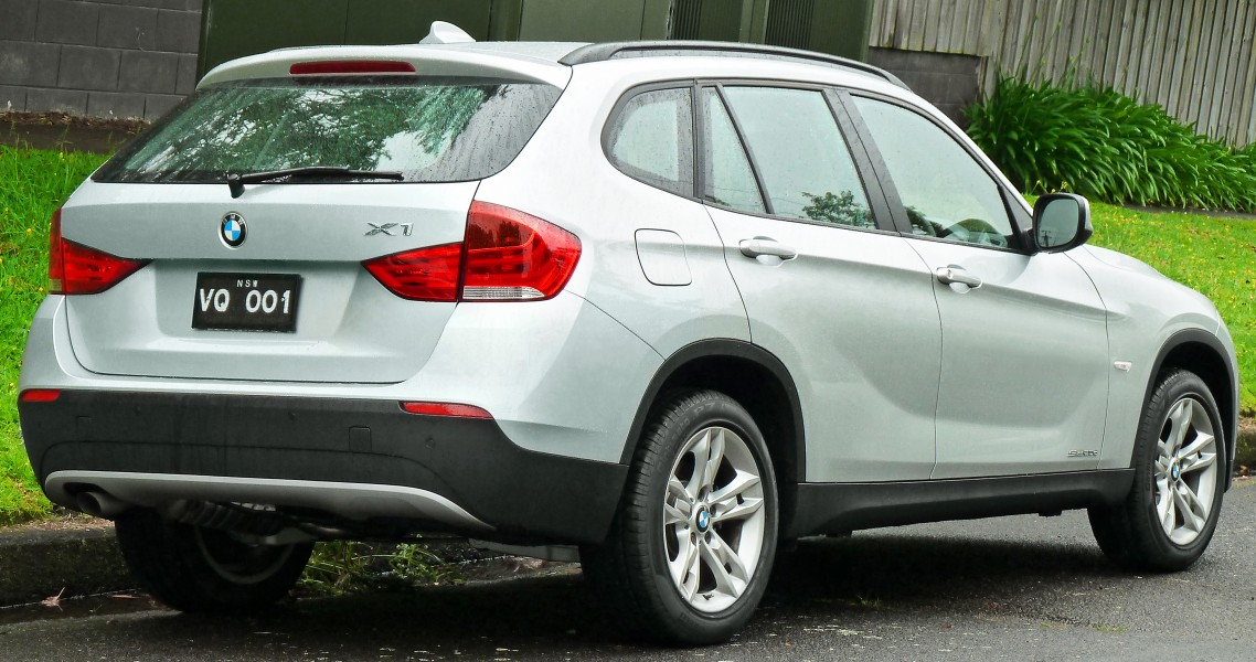 2010-2011 BMW X1 (E84) sDrive20d wagon (2011-11-17) 03