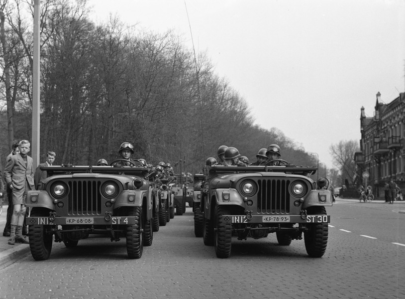 Arnhem Parade 30 april B