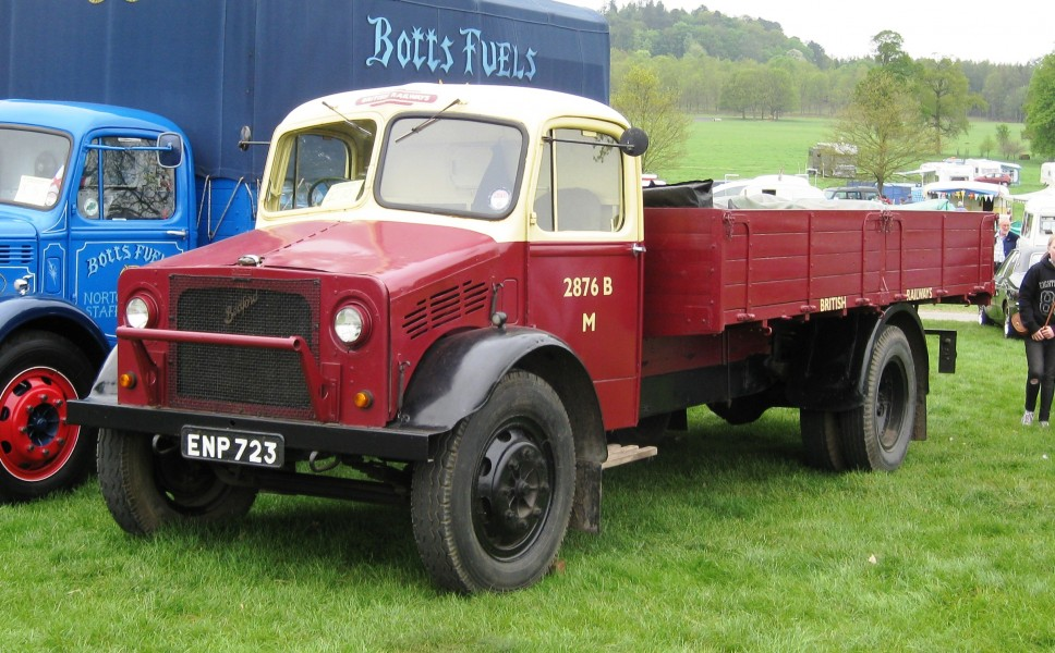 Bedford O series truck in British Railways livery first reg January 1945 3519cc