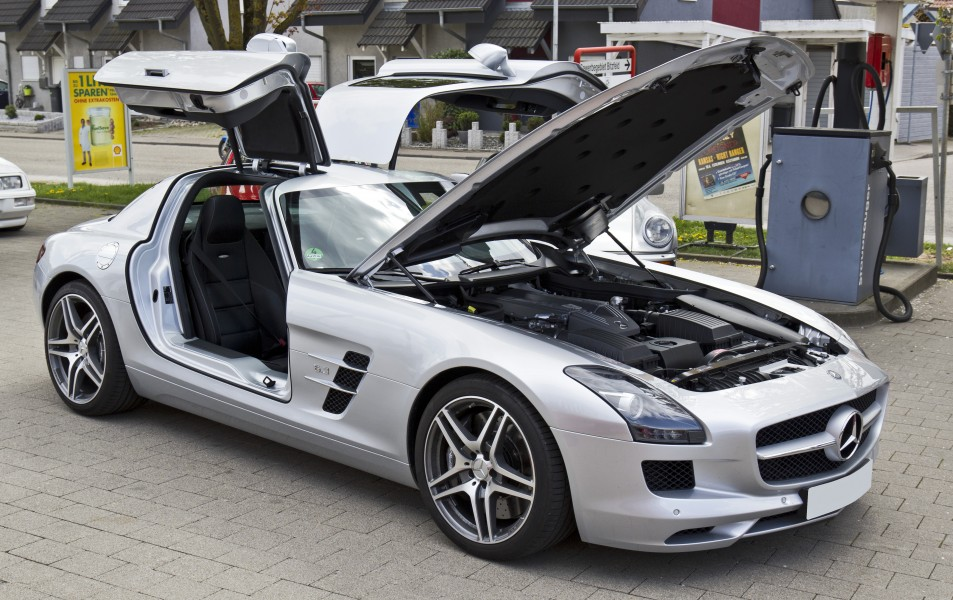 Mercedes SLS all opened front 20110416