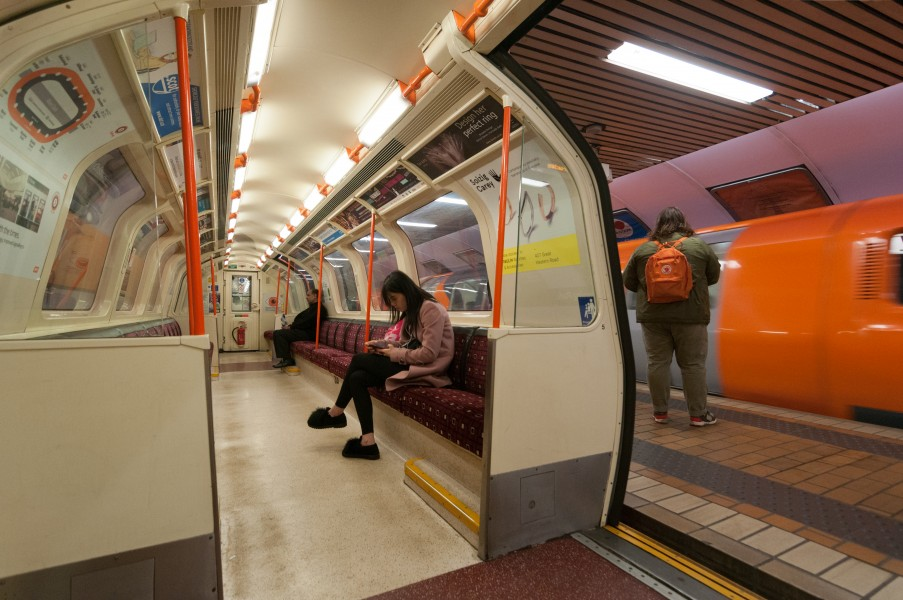 17-11-15-Glasgow-Subway RR70163