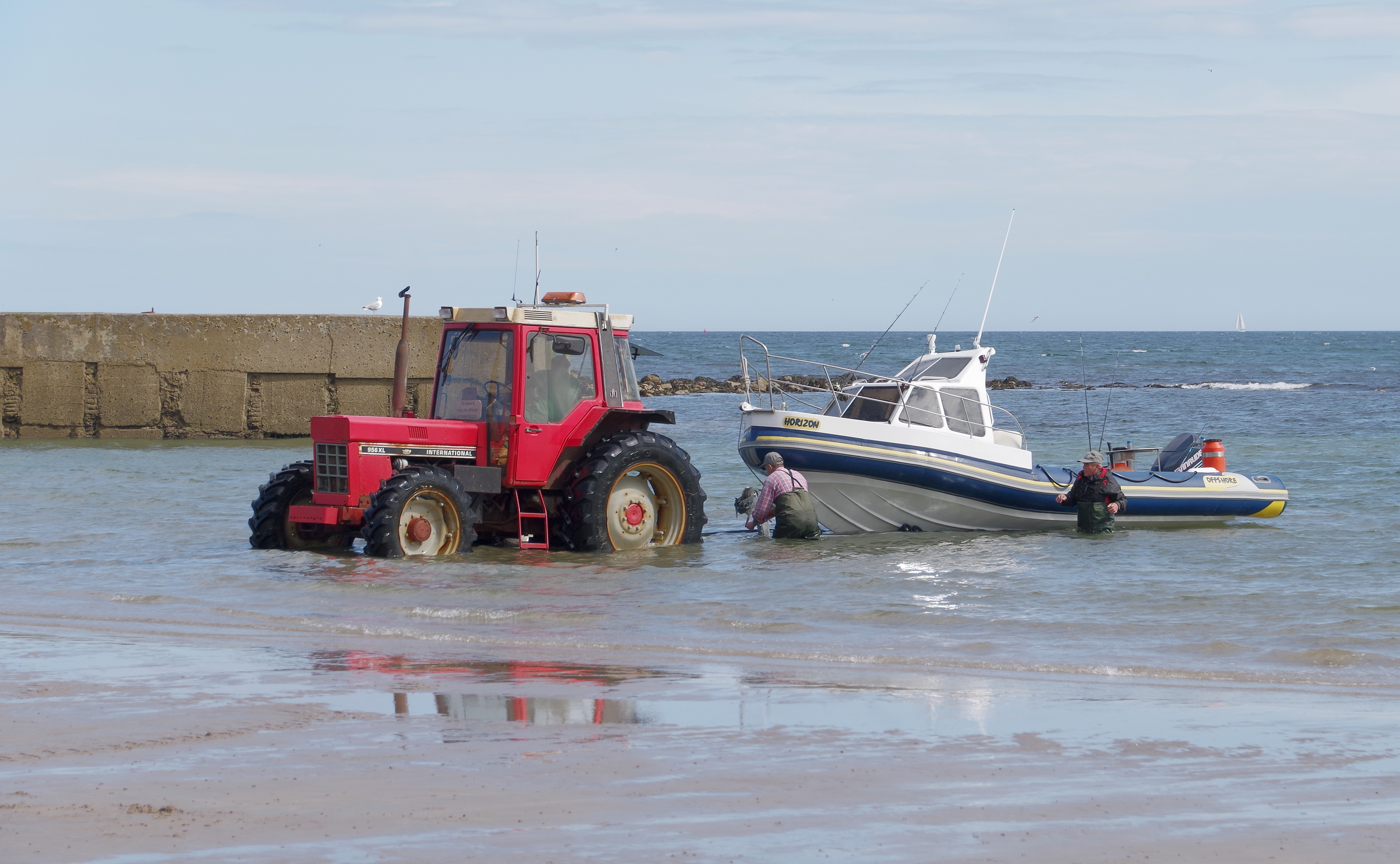 Beadnell MMB 04 Beach and
