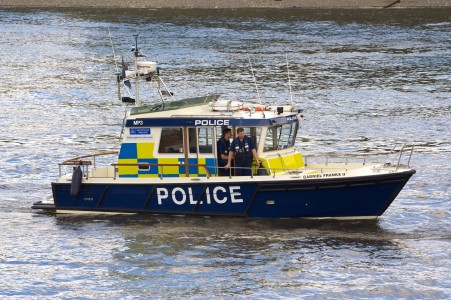 London-met-policeboat