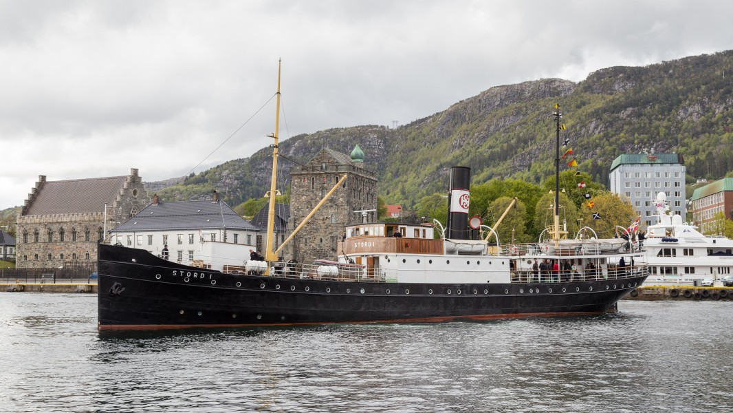 1913 built steam ship