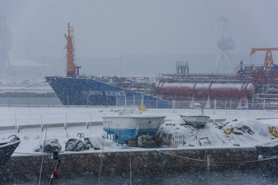 Atlantis Alicante (ship, 2017) under snow