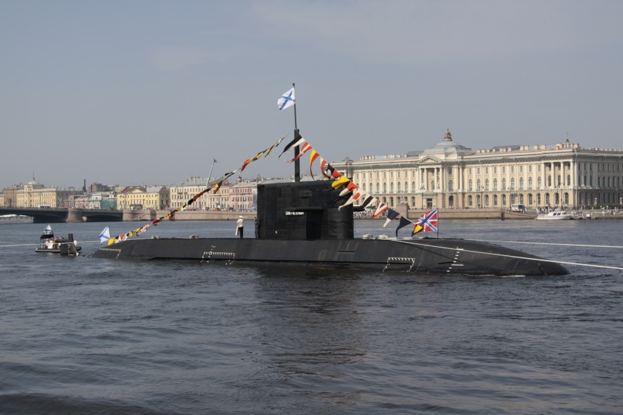 B-585 Sankt-Peterburg in 2010