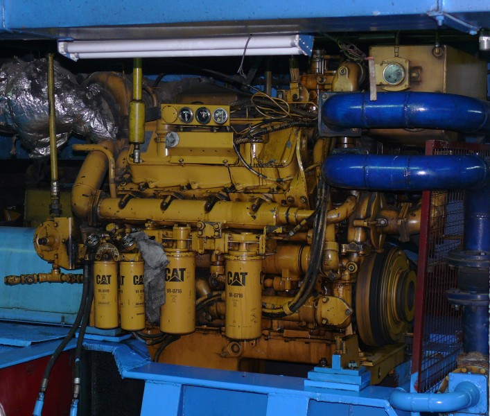 Caterpillar ship motor 4