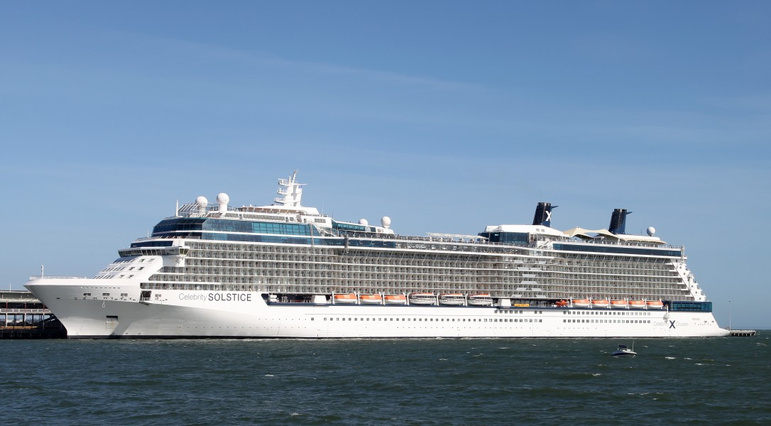 Celebrity Solstice in Port Melbourne, Australia Dec 2012 (01)