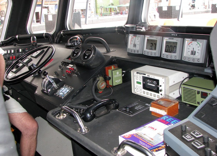 Controls.of.lifeboat.17-31.arp