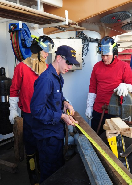 Damage control exercise on board the USCGC Alder, during Operation Nanook 2010