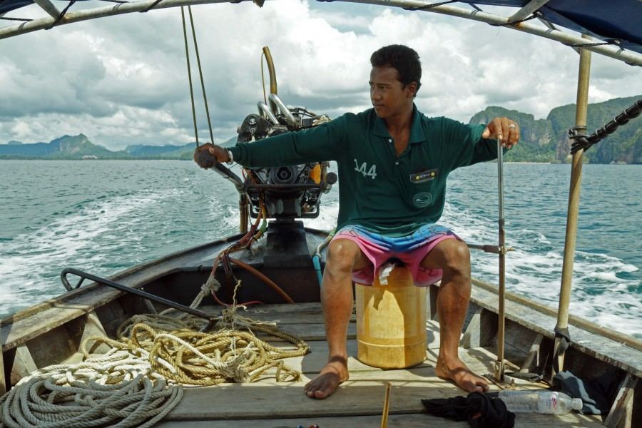 Long-tail boat driver