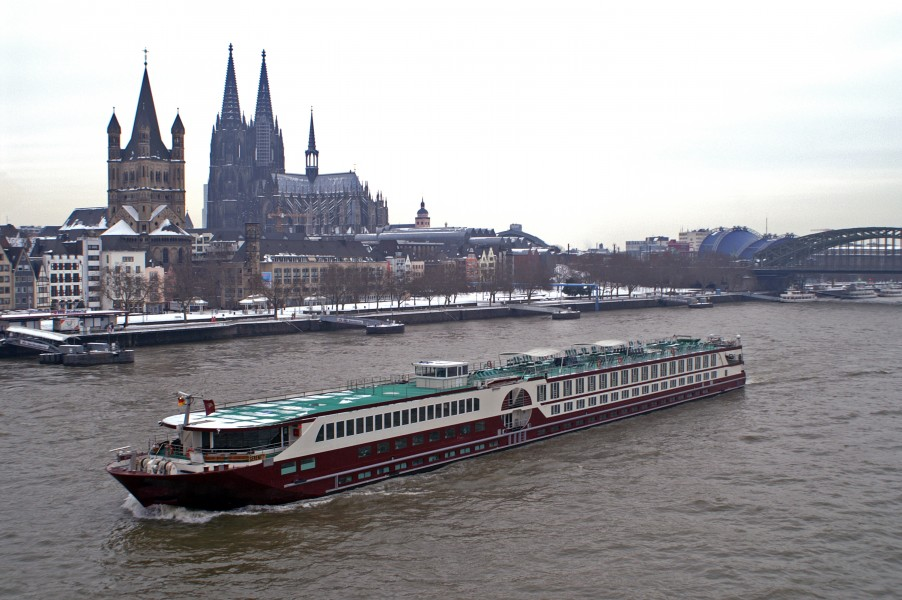 MS Serenity, Cologne, Germany - 20101122-004