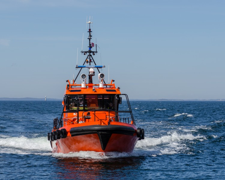 Pilot boat at Landsort April 2012