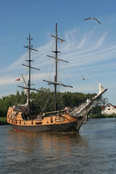 Port of Łeba - Tall ship 02